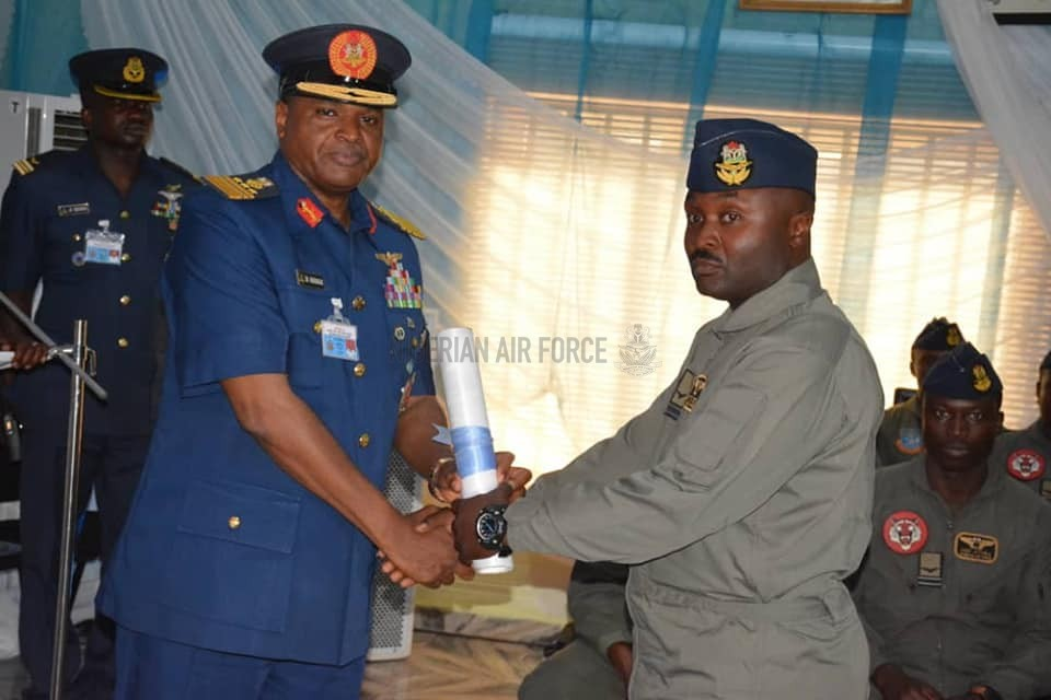 NAF HOLDS COMBINED GRADUATION CEREMONY FOR INSTRUCTOR PILOTS, CAPTAINS, FIRST OFFICERS AS CAS COMMISSIONS 401 FTS HALL OF FAME
